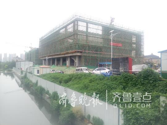 李沧东部社区活动中心主体封顶 可同时容纳500人健身